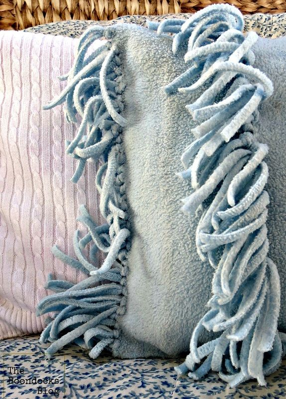 Fleece pillow - Almost no-sew fleece pillow - The boondocks blog