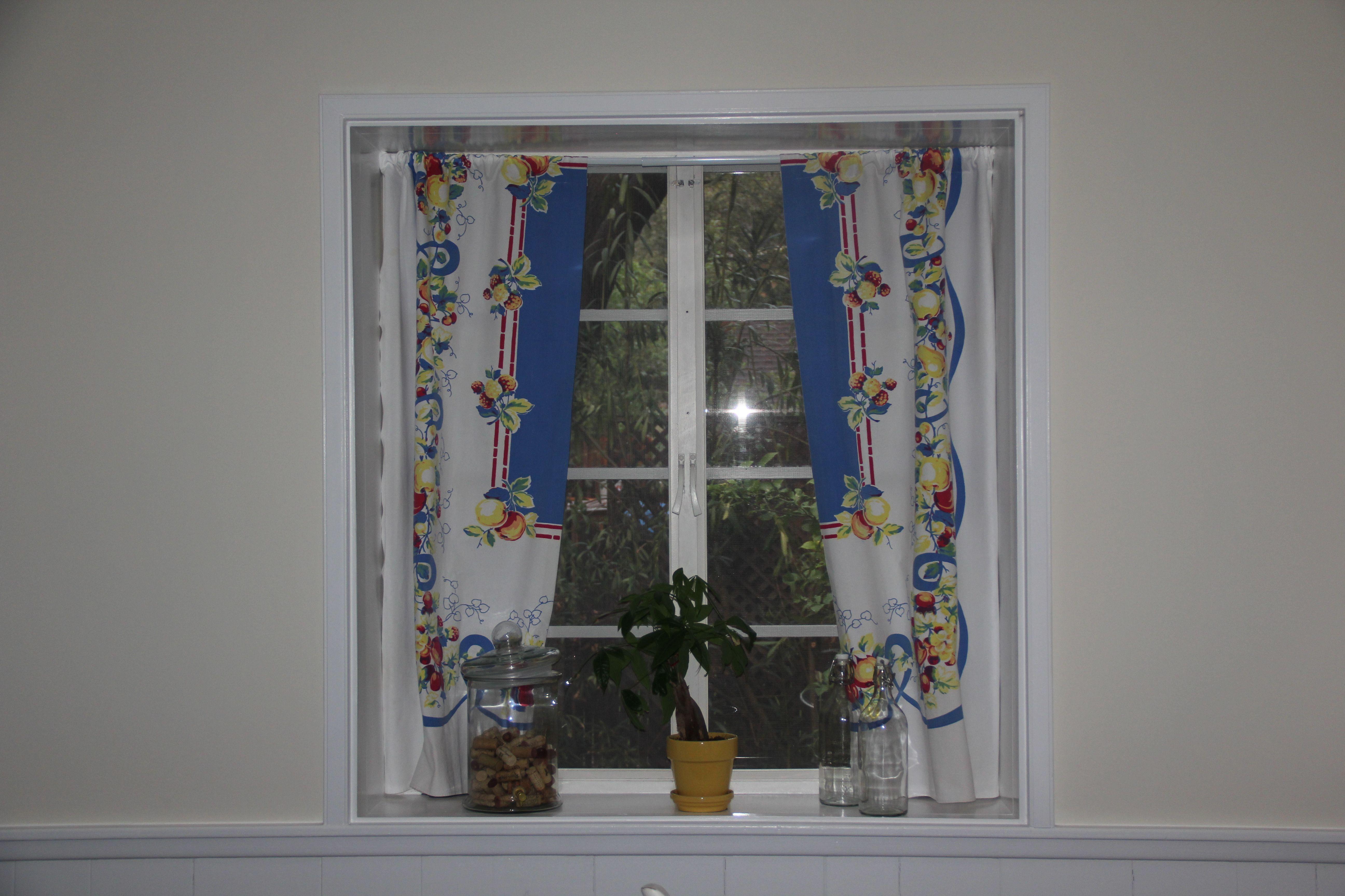DIY Vintage table cloth curtains Kitchen