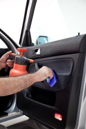 Car Interior Cleaning Services Near Me >> How To Clean Your Car S Interior Cleaning Tips Car Cleaning Car