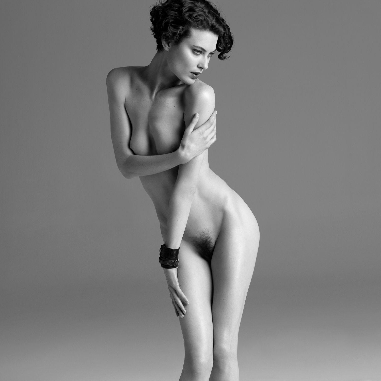 Shalom-Harlow-naked Shalom Harlow, nude for Purple magazine - Nude TV Show