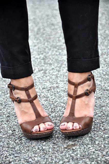 136fe616559 Brown Bata Heels Gorgeous Heels