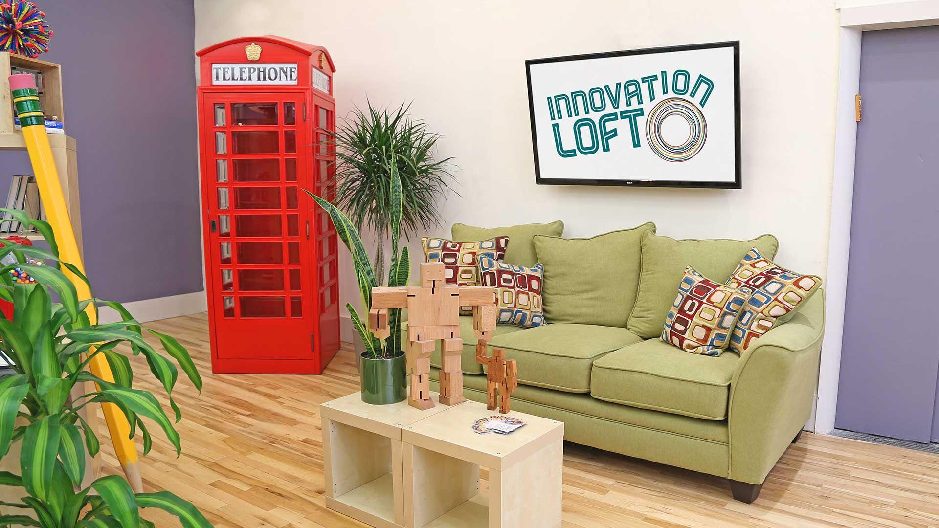 Innovation Loft: Room Decor