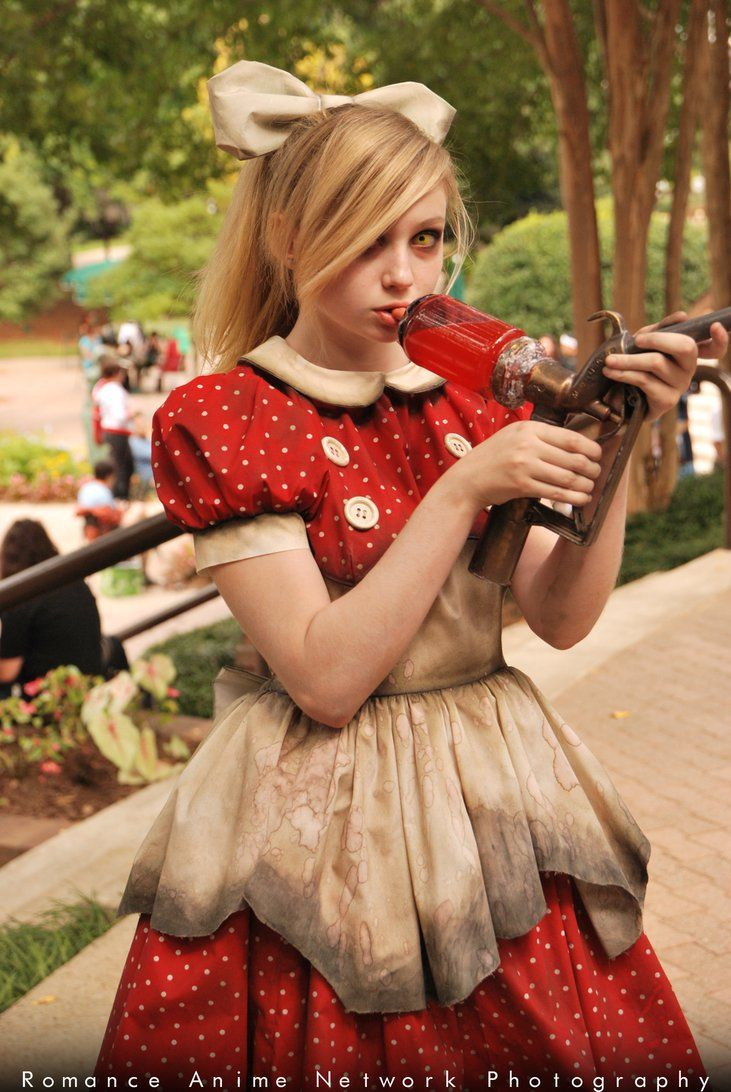 Little sister from Bioshock cosplay | Bioshock cosplay ...  Bioshock