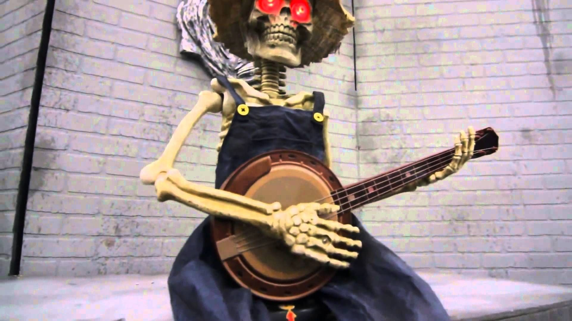 Halloween Prop SKELETON PLAYING BANJO Animated Haunted House - Halloween House Decoration