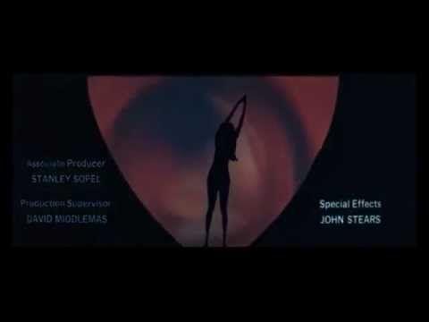▶ James Bond - Quantum Of Solace (musique intro) - YouTube