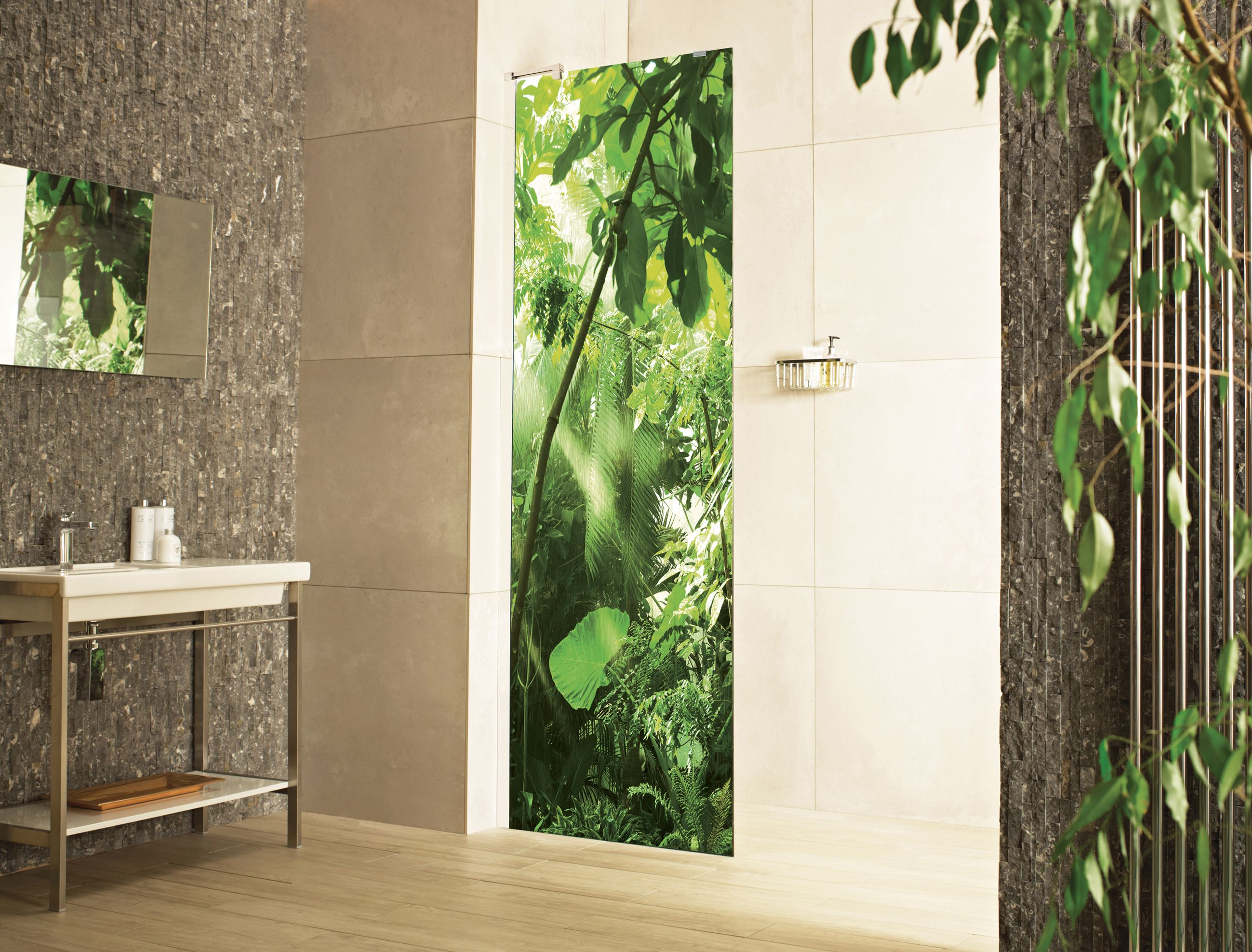 A Design From Our Decem Expressions The Rainforest Printed Glass Wetroom Panel For Projects Roman Can Print Badezimmer Einrichtung Duschabtrennung Badezimmer