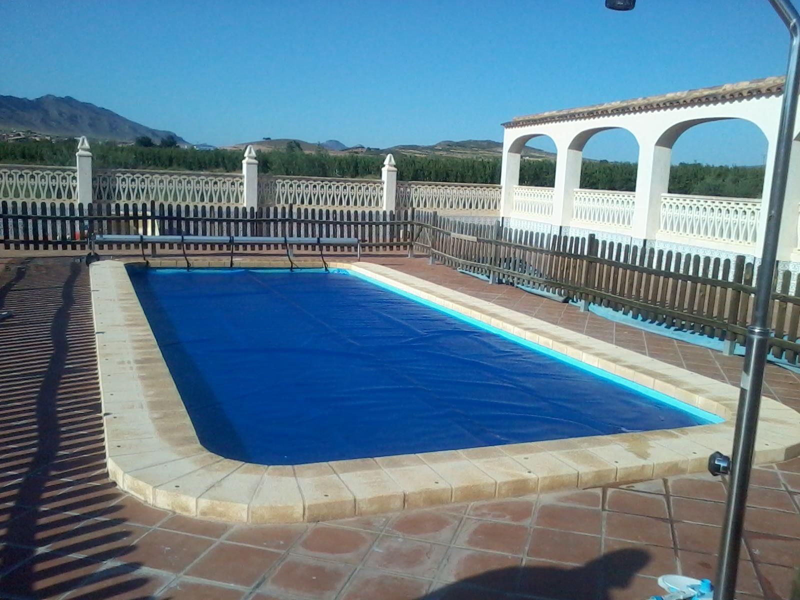Mantas termicas de burbujas cobertores solares cubiertas de piscinas lonas de piscina se - Mantas termicas para piscinas ...