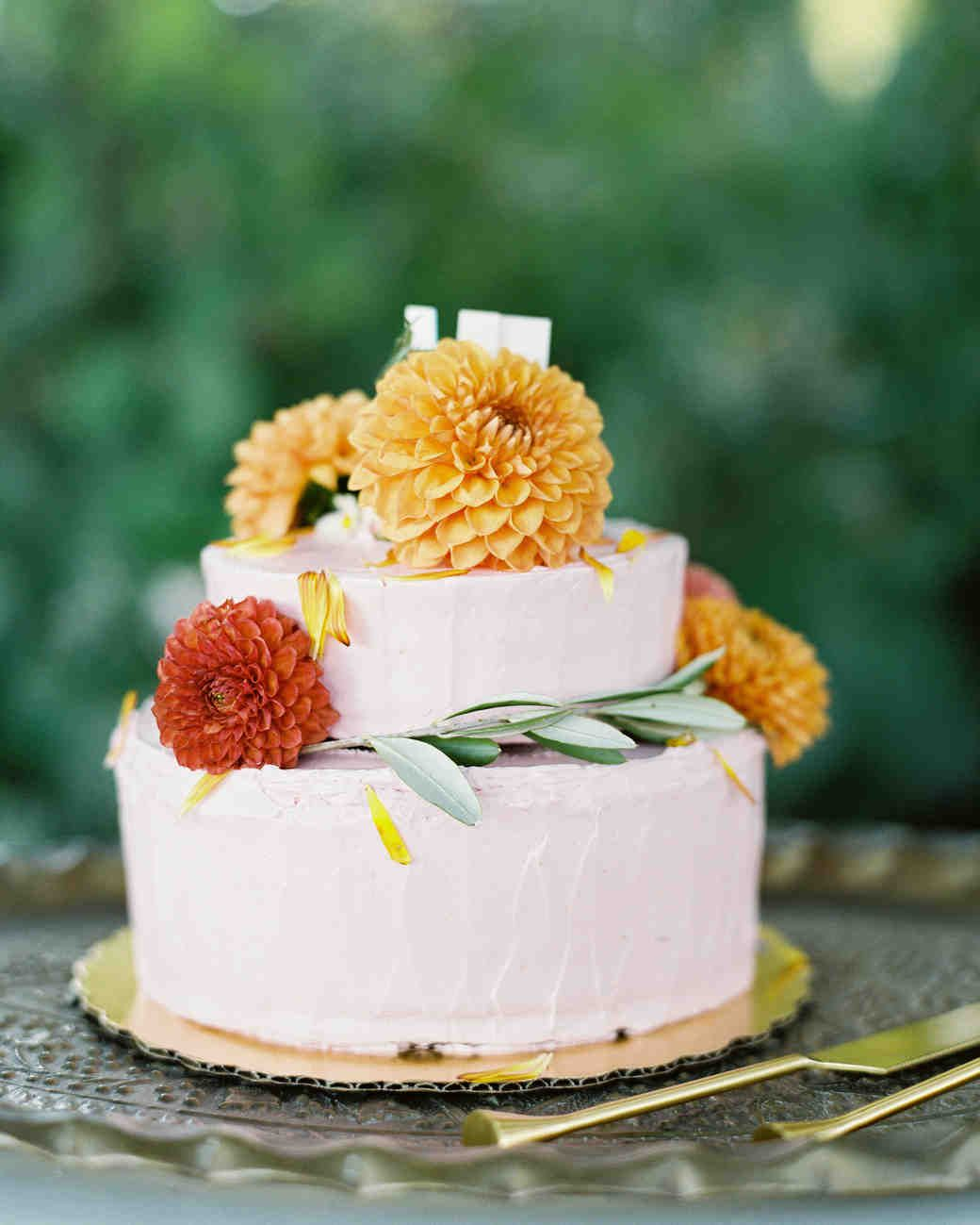 60 Fall Wedding Cakes We Re Obsessed With With Images Fall