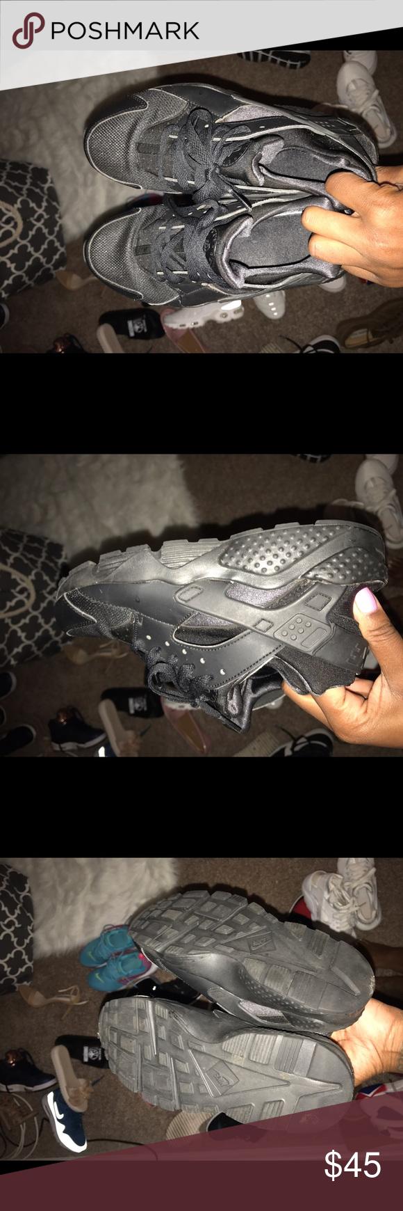Black huaraches Black , fairly new huaraches Nike Shoes Sneakers