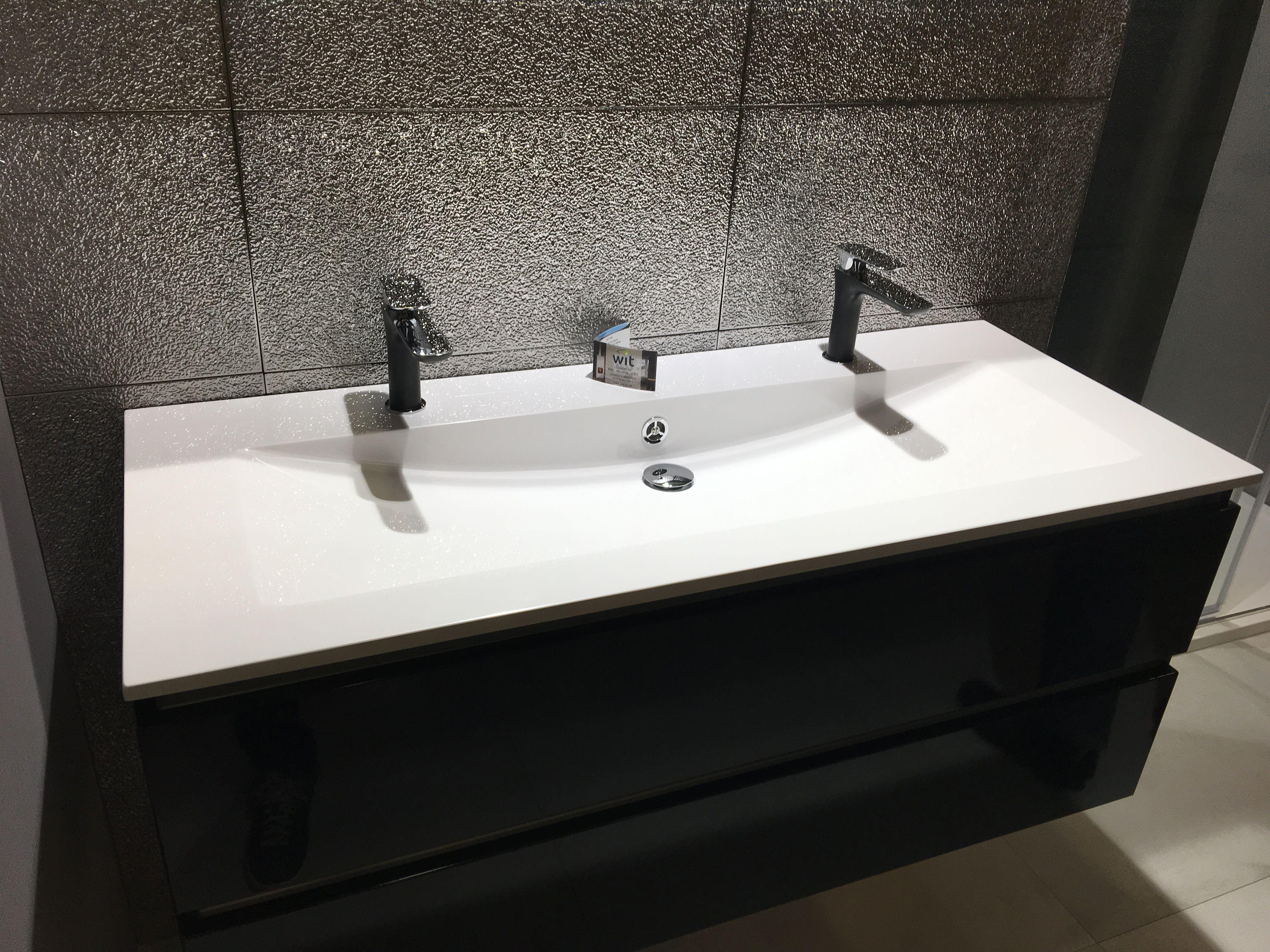 une grande vasque mais deux robinets | Rénovation salle de ...