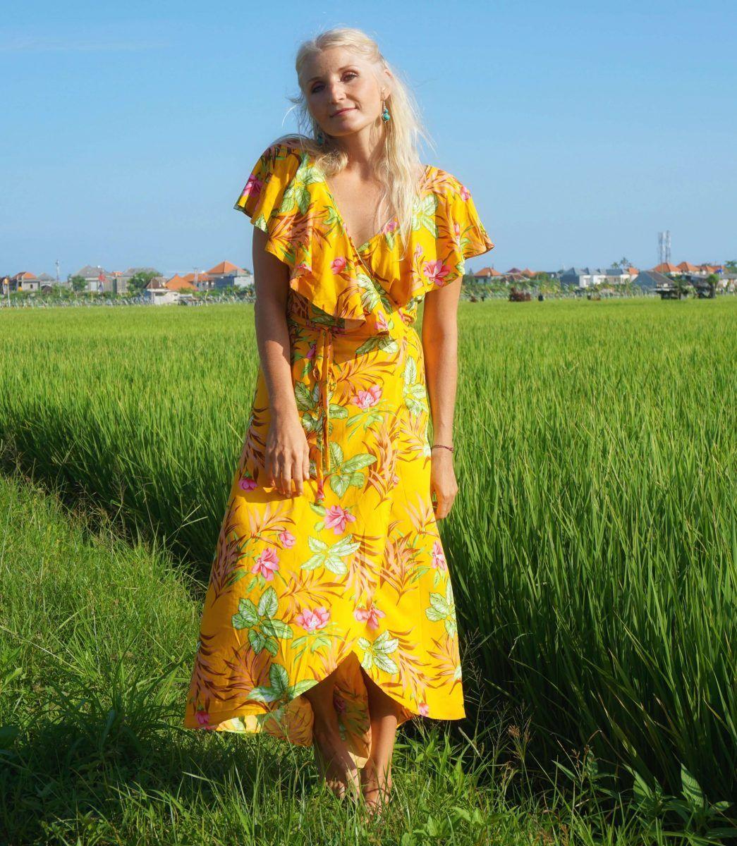 sommer blumen wickel kleid im boho ibiza style gelb