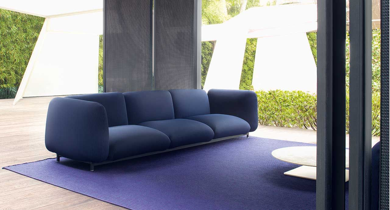 Mellow - This series consists of two-seater, three-seater sofas and pre-established corner compositions.