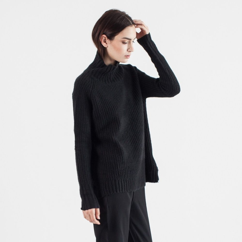 An oversized boyfriend sweater with the perfect mock-neck ...
