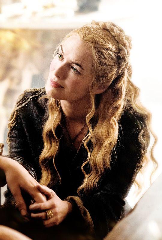 Elleth Gare (princess) wife of Enlyn Tharo. Mother of Vyncelyn, Ausanya, Edryck and Ellenda.