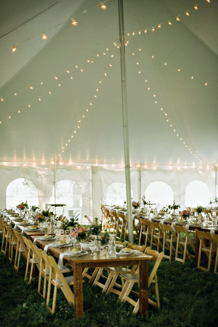 How much does wedding catering cost? Wedding table setup