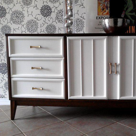 Best Hollywood Regency Mid Century Modern Dresser Credenza 640 x 480