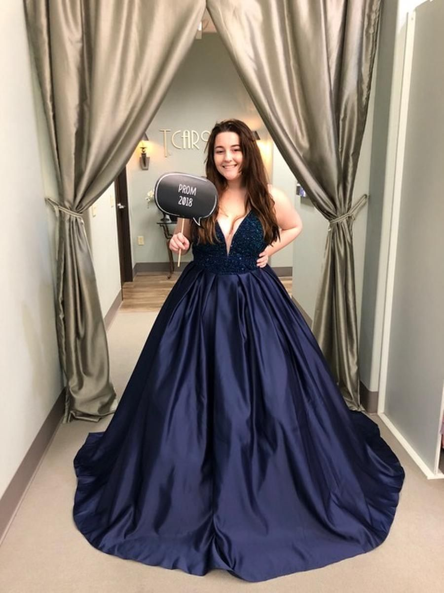 Vienna Prom Gala Gowns Best Prom Dresses Gowns [ 1200 x 900 Pixel ]