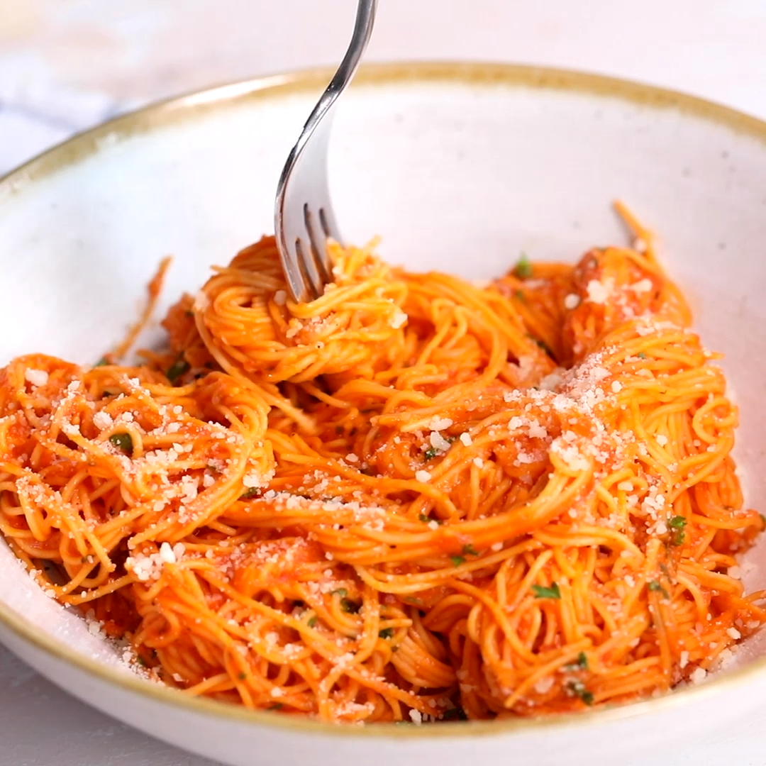Creamy Roasted Red Pepper Pasta images