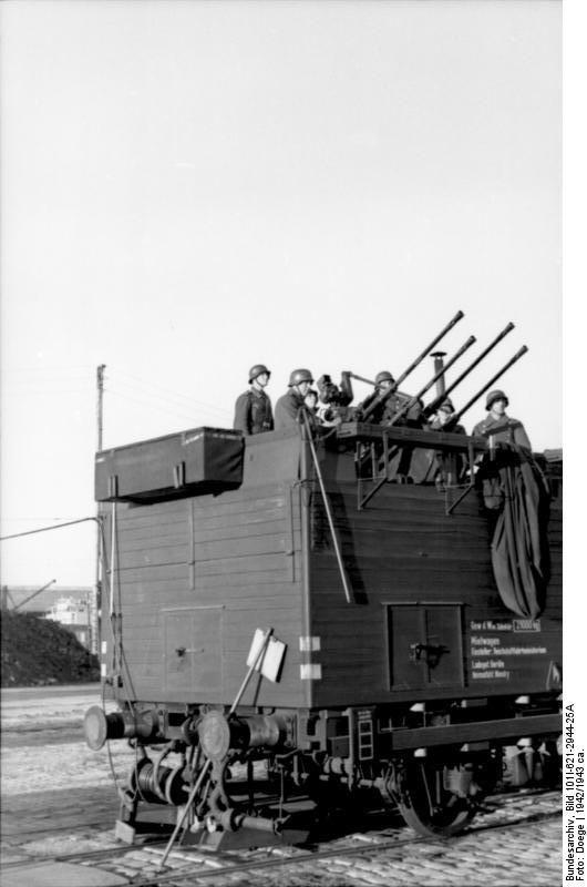 Liliput 336616 - Flak Wagon SdPI 4i 918 039 P Bln DR Ep.II Camouflaged