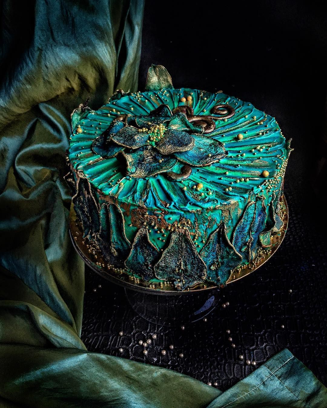 Pin by Mys Tharwat on Cake decorating company (With images ...