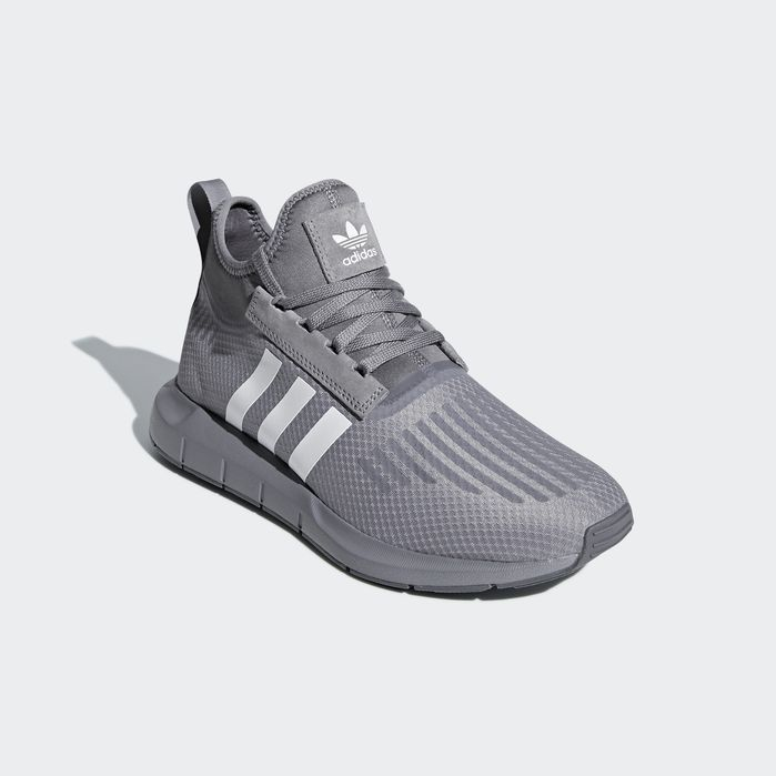 1df5ad6ce3 adidas Swift Run Barrier Shoes in 2019 | Products | Shoes, Adidas ...
