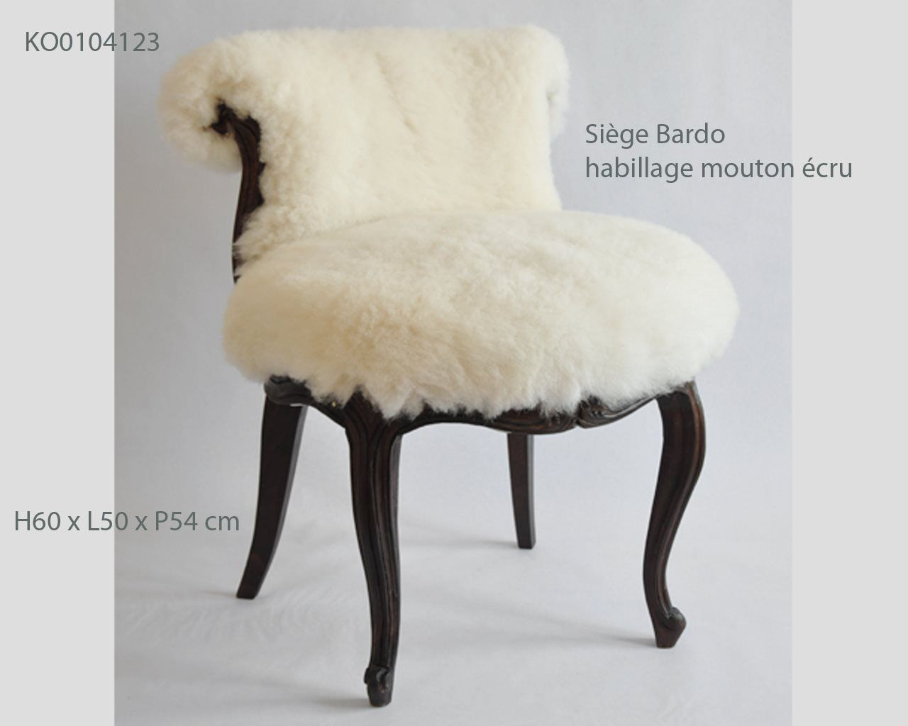 Découvrez notre nouveau produit,Siège Bardo habillage mouton écru by tinja #cpadt  Commandez-le vite, et décorez votre intérieur pour une belle touche orientale. site web :www.cpadt.com mail :contact.cpadt@yahoo.com  Tél : 00 33 (0) 1 85 76 08 42