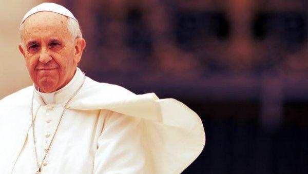 A Cagliari sul biglietto c'è l'effige di Papa Francesco ...