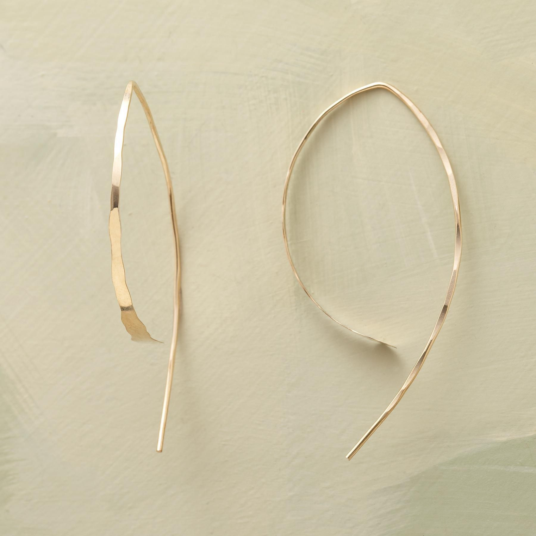 Wishbone Earrings To Create These Melissa Joy Manning Gold The Artist Gently Hammers 14kt Wires Into Simple Organic Wishbones