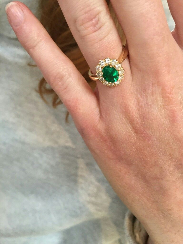 Our latest #bespoke #hand_made piece, 1.03 carat #colombian_emerald #centre_stone set in a #diamond_halo #yellow_gold #engagementring  Enquire about our full range of #rings #jewellery #christmas_gifts and #loose_stones @ #Londonde.com  #phil@londonde.com