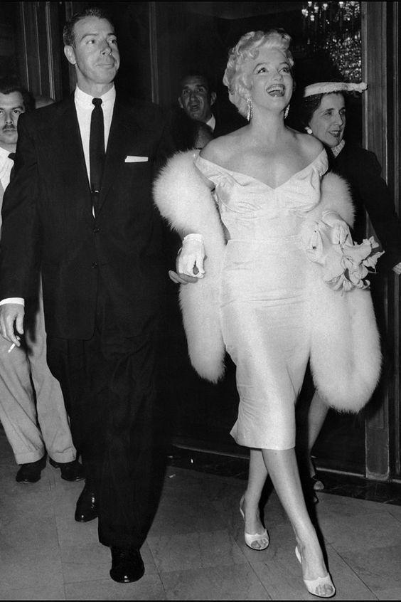 Marilyn Monroe And Her Husband Legendary Baseball Player Joe Dimaggio Marilyn Hollywood Celebrities