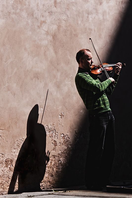 """""""Concert for violin and shadow"""""""