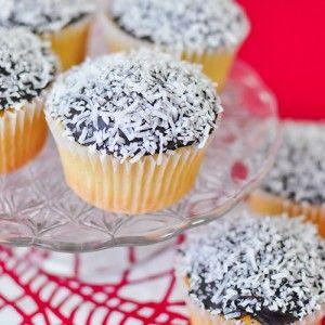 Lamington Cupcakes Recipe - RecipeChart.com #Dessert #Snack