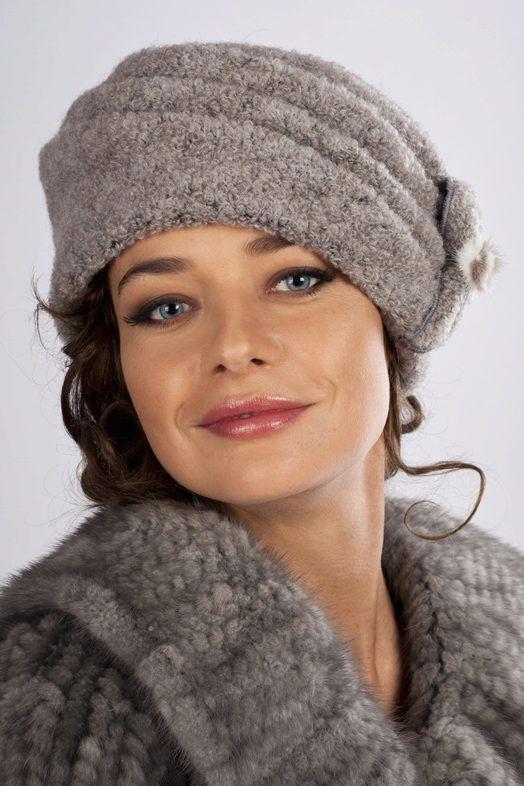 Вязаные шапки (151 фото): для женщин 50 лет, модные модели ...