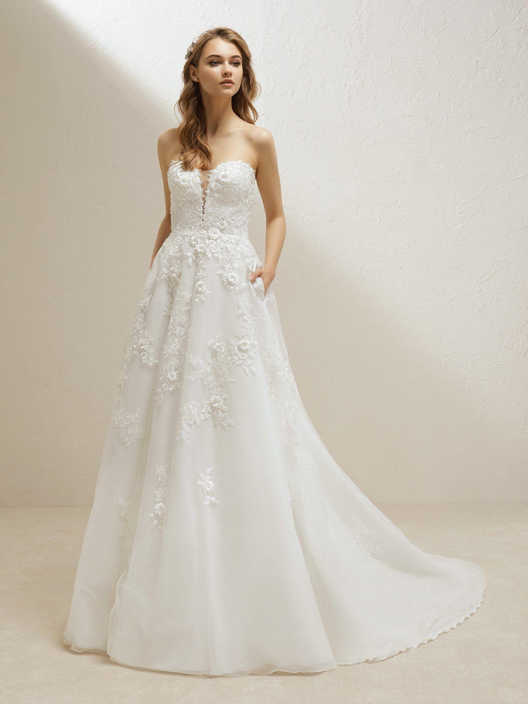 7de1b19d68e3e wedding-dress-princess-with-a sensual-sweetheart-neckline ...