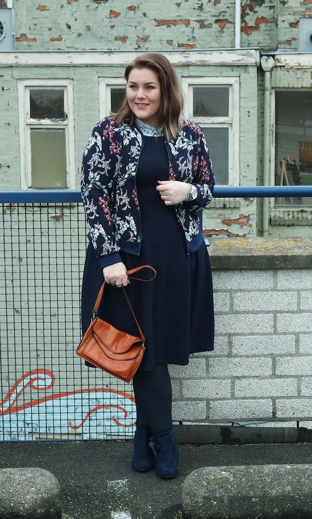 b679ef52713 Longing for spring in this flower bomber  2017  curvy  fashion blog   minimal print  navy  Paprika  spring  Yours Clothing