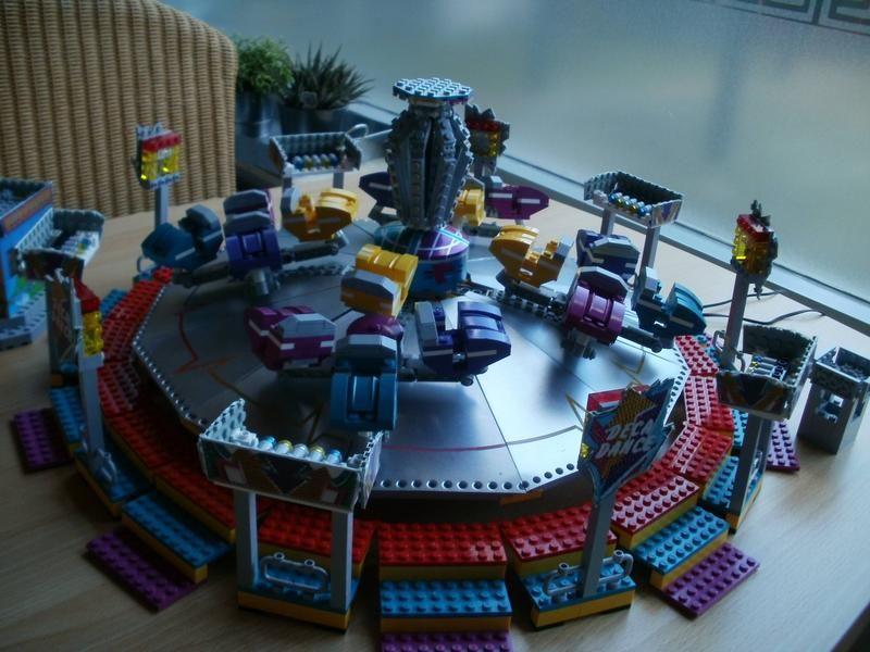 MOC: Dennis van Ooijen carnival rides   LEGO Amusement park ...