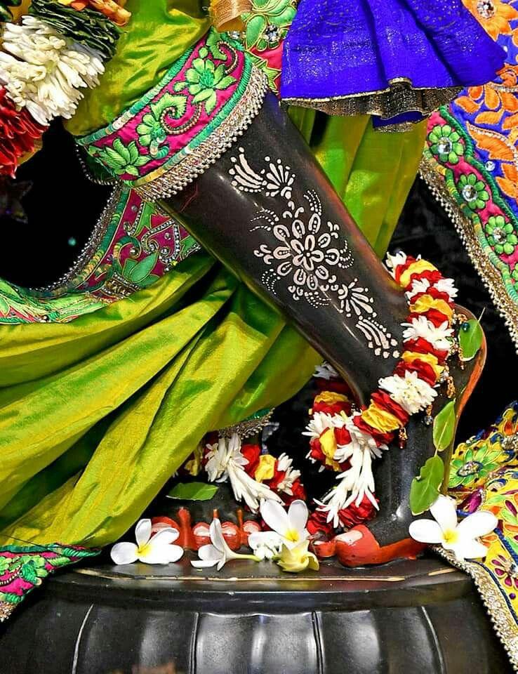 Pin By Puvan On My Love Krishna Krishna Radhe Krishna Shree Krishna