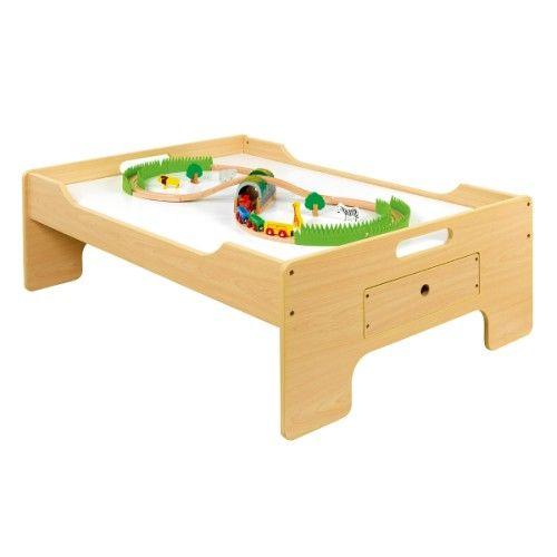 une magnifique table de jeu pour disposer un grand circuit de train sans avoir le d monter. Black Bedroom Furniture Sets. Home Design Ideas