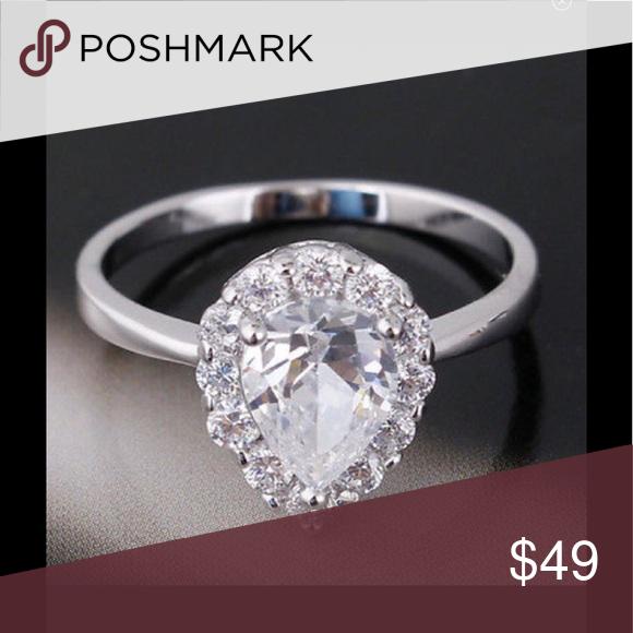 Women's pear shape  engagement wedding ring