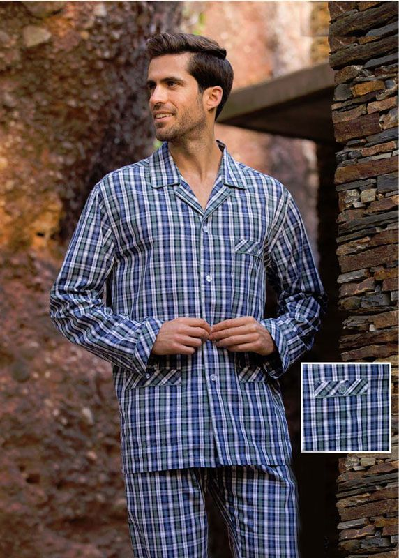 Compra en nuestra tienda online lo último en pijamas tela para caballero.  Pijama clásico Guasch c1ef17991af