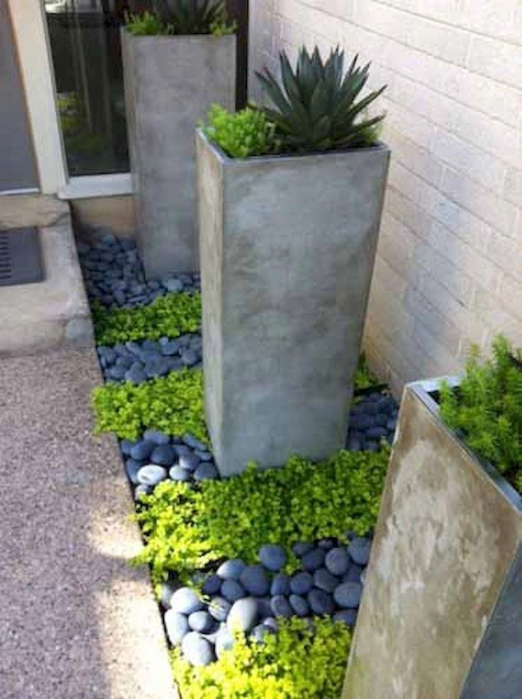 Front Yard Landscaping Ideas  Here are our favourite 34 front lawn layouts; Ti #shadecontainergardenideas