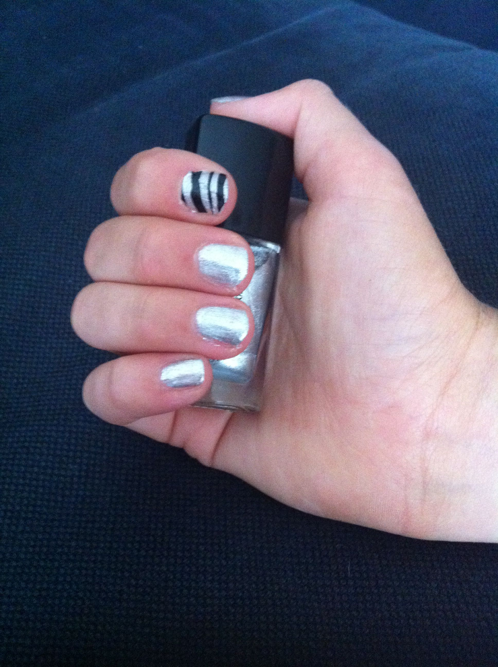 Leuke makkelijke nail art voor korte nagels - nagels | Pinterest ...