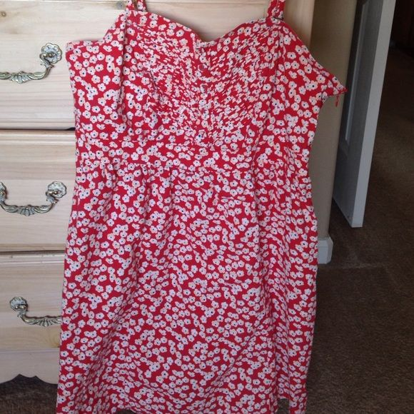 Forever 21+ red floral dress Used but in good condition Forever 21 Dresses