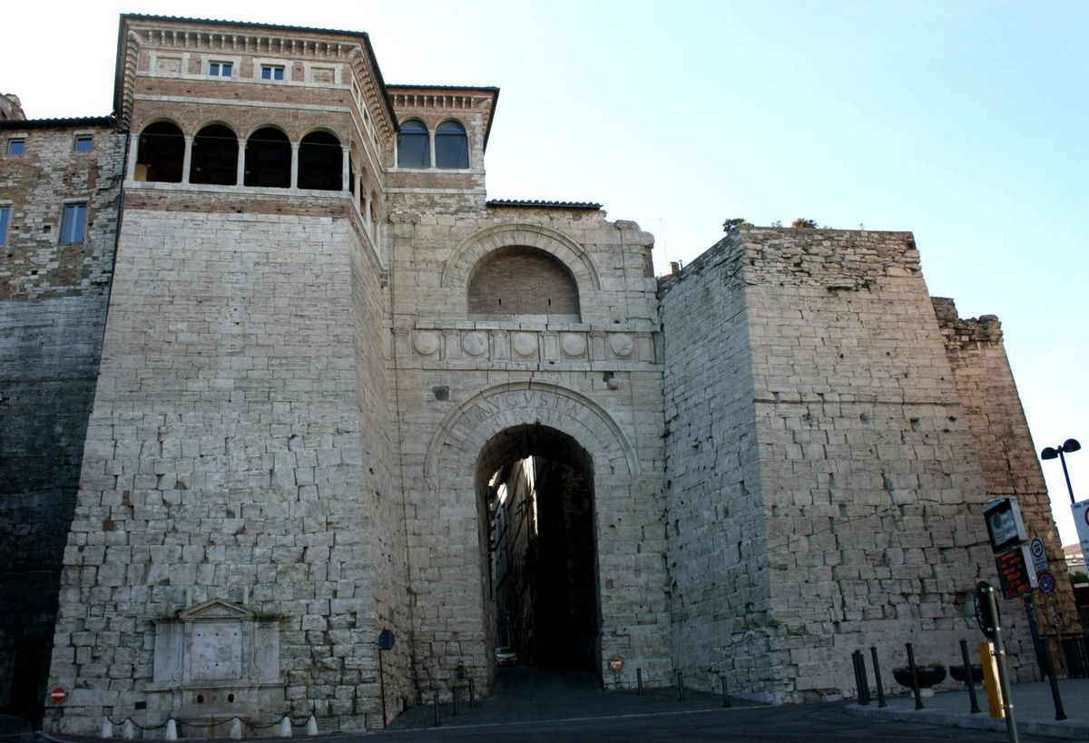 Perugia Un Entrata Da Etruschi Su Www Brickscape It A Cura Di