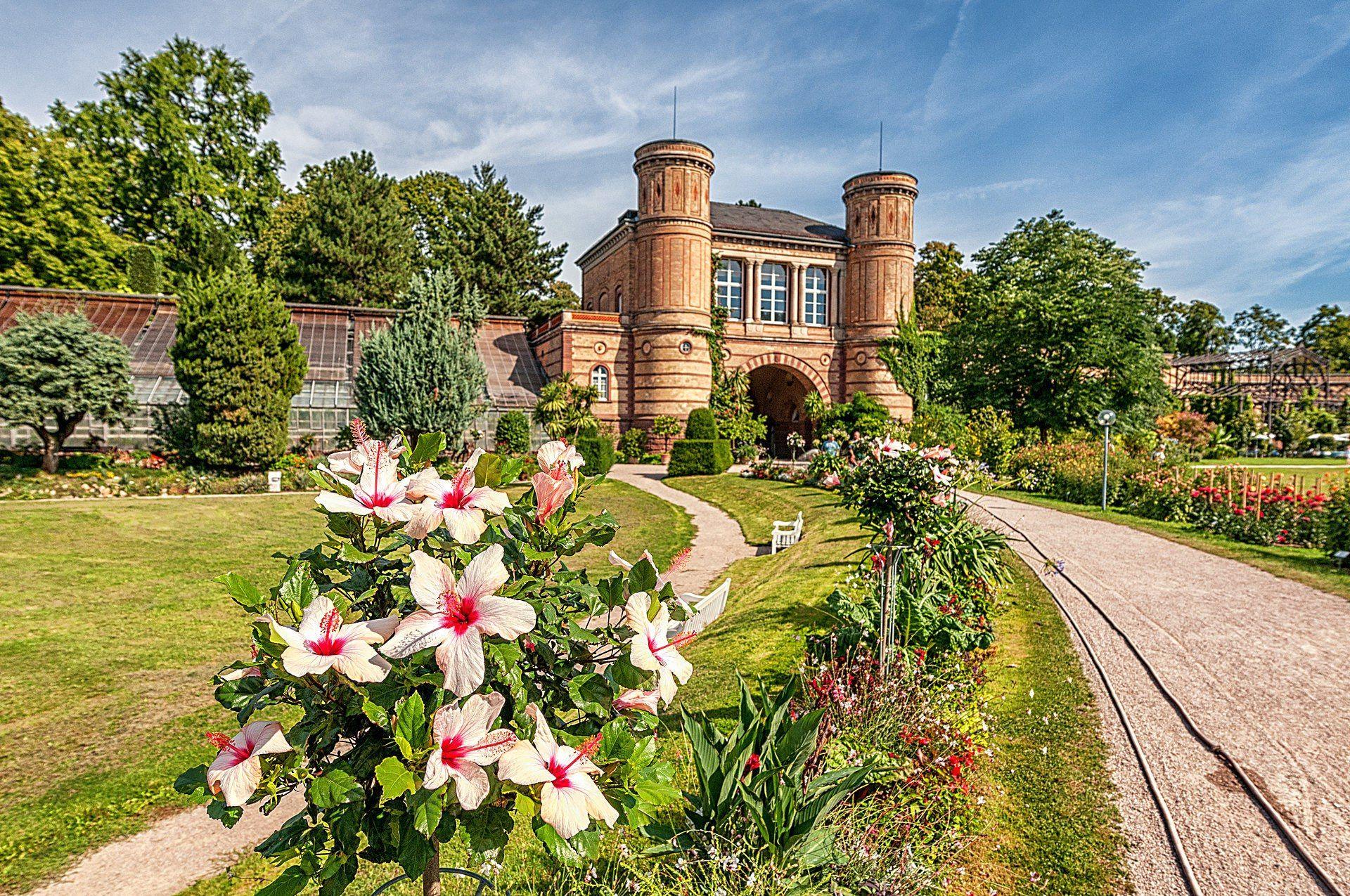 Botanischer Garten Wuppertal Offnungszeiten Um Ihre Stimmung Anzuziehen Von Karlsruhe Botanische Garten In Karlsruhe In Botani House Styles Mansions Sidewalk