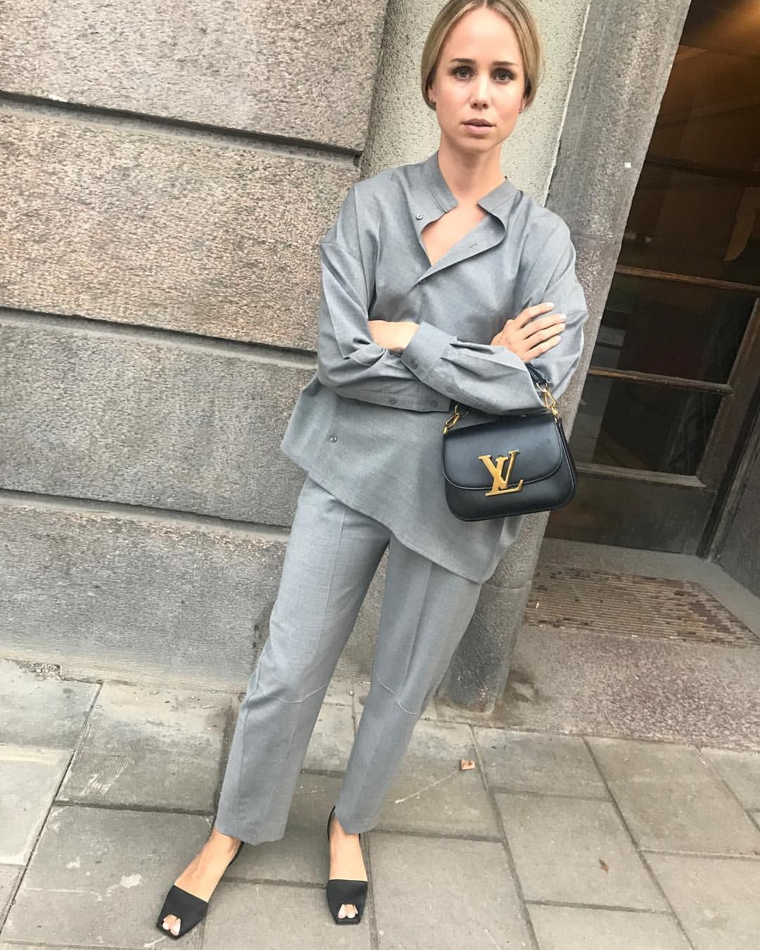 d60aa18949d  elinkling in Noma shirt and Novara trousers in light wool