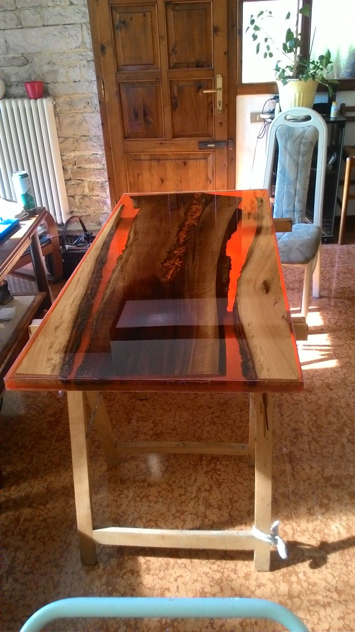 Serie Lava Tavolo Noce Resina Carbone  Table Volcano Lava