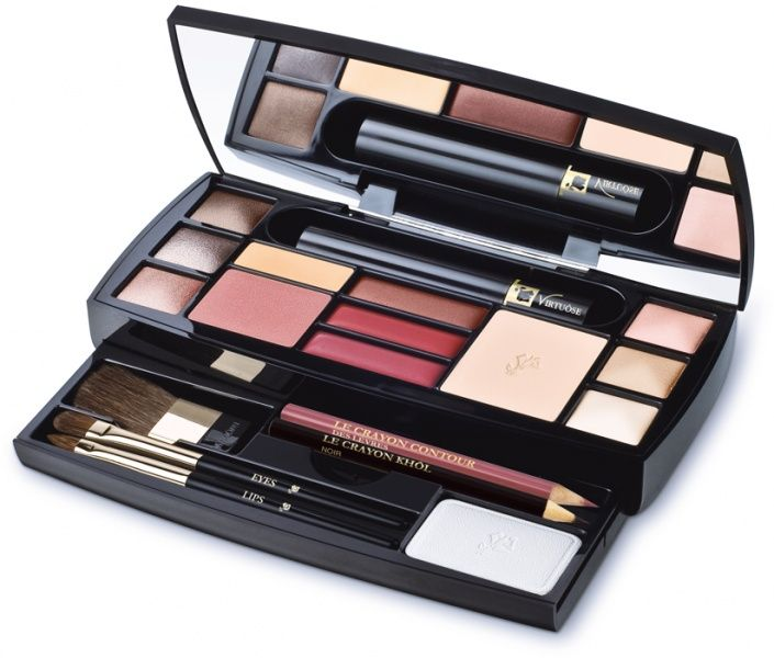 9f058d66487 CHANEL Travel Makeup Palette - Google Search