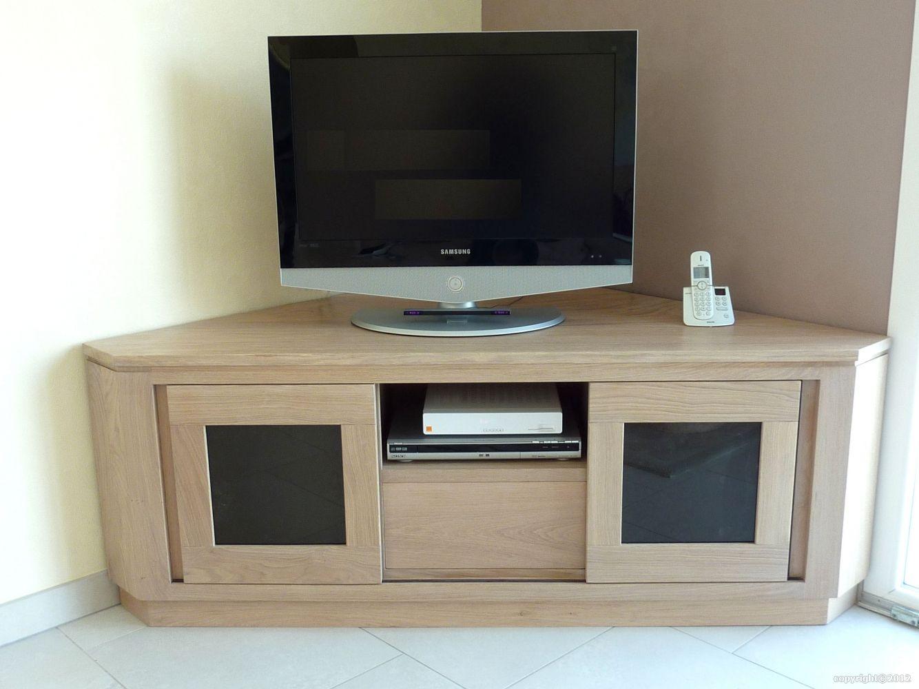 angle moderne pour tv petit meuble