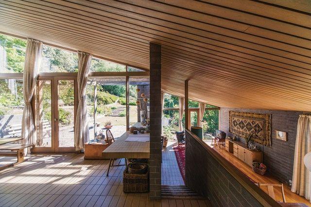 McGlashan and Everist's enduring design for a Hobart house.